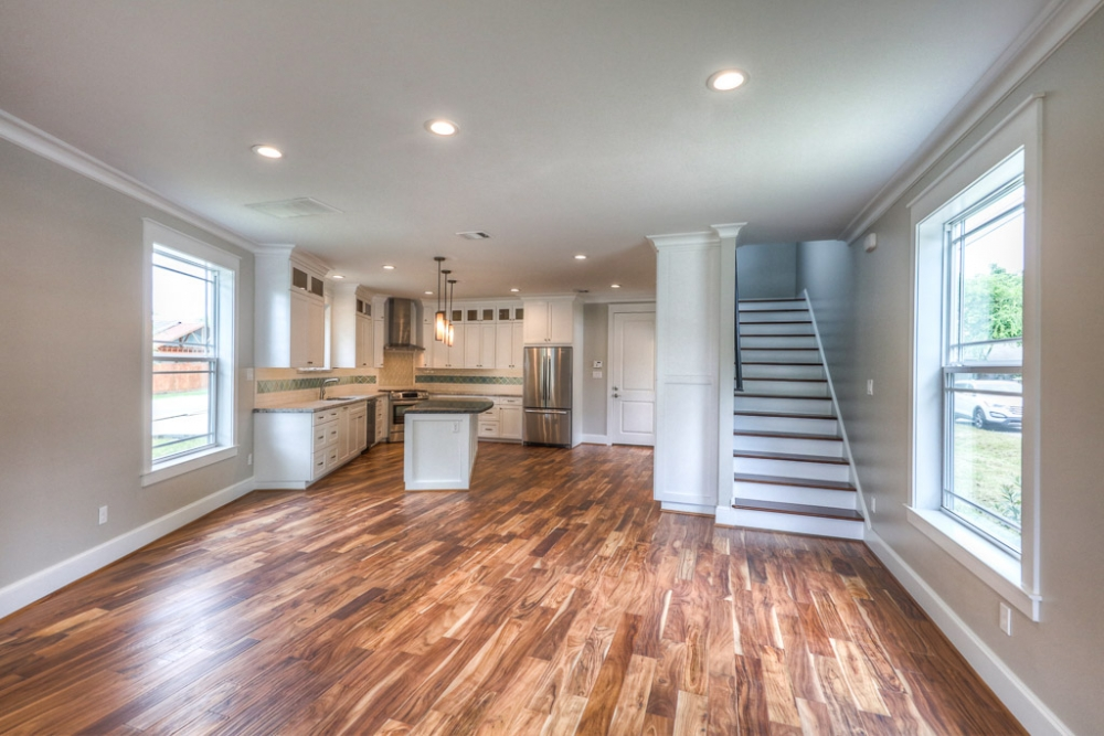 Houston Heights living and kitchen area