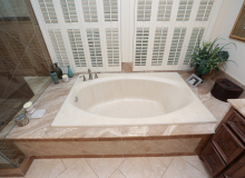 Briar Forest New tub and tile