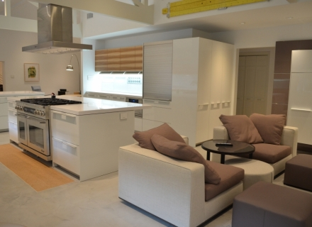 Kitchen Sitting Area